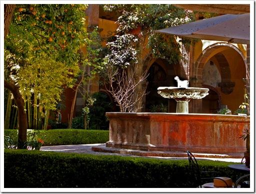 belles-artes-courtyard