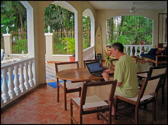 Bocas-del-Toras-computer