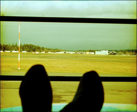 airport-lollygagging