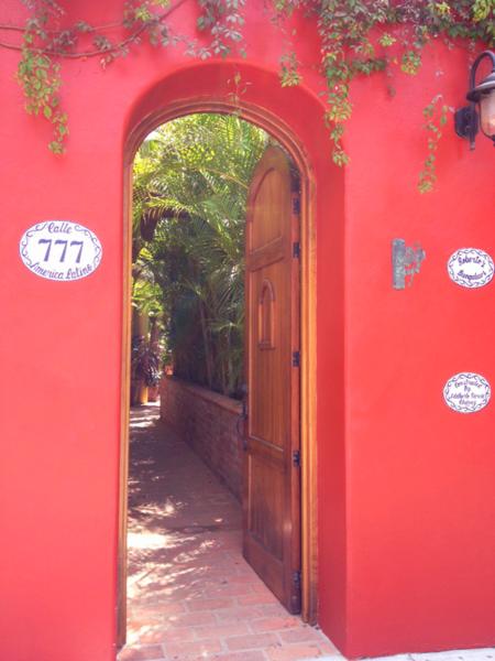 Roberto's-gate